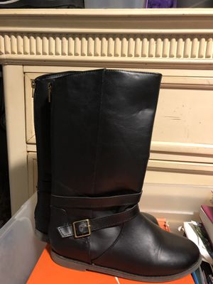 Size 4 girls black boots for Sale in Bristol, RI