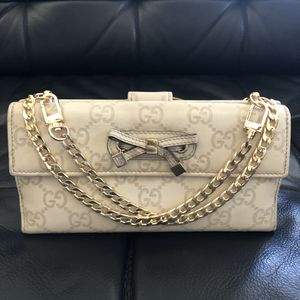 Gucci guccissima leather wallet on chain for Sale in San Diego, CA