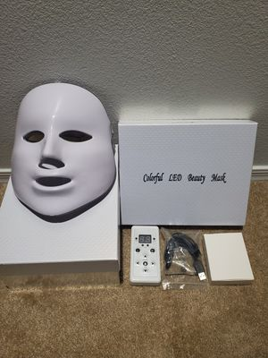 LED 7 settings face mask like new light therapy for Sale in Phoenix, AZ