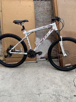 *{GT AVALANCHE ALL TERRA -2.0 Disc Brake Mountain Bike}*=>[ Medium ]<= for Sale in Vernon,  CA