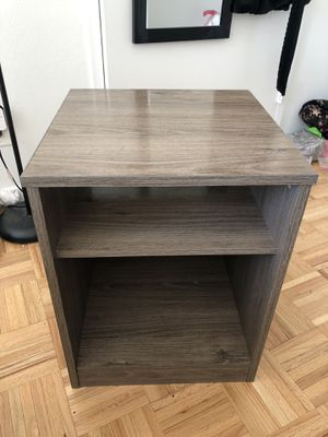 Brown End Table / Nightstand for Sale in New York, NY
