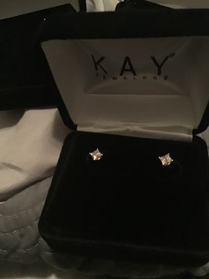 1/2 carat Diamond Earrings BRAND NEW for Sale in Camp Springs, MD