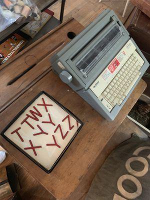 Vintage typewriter for Sale in Cincinnati, OH