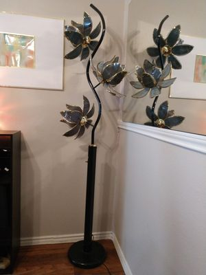 Floor lamp for Sale in Arlington, TX