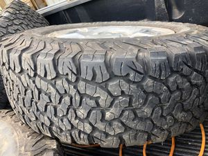 4 Bfgoodrich Ko2 all terrain tires on Tundra Rims 275/70/18 for Sale in Seattle, WA