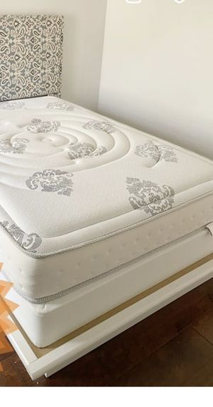 Beutiful full size bed with almost new mattress and box spring for Sale in Ontario, CA