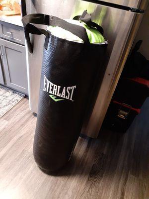 Everlast punching bag good shape for Sale in Henderson, NV