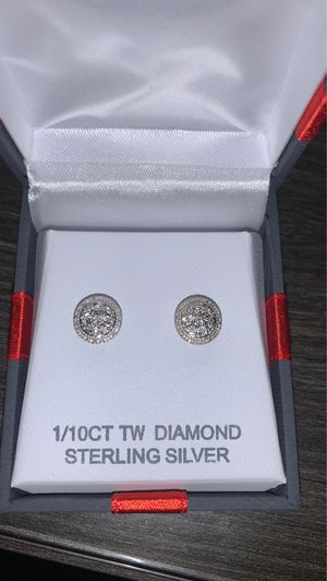Women and men's earrings brand new for Sale in Streamwood, IL