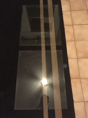 4 pieces of glass for Sale in Lighthouse Point, FL