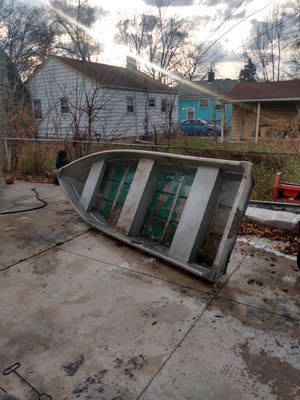 13ft flat bottom aluminum boat for Sale in Lincoln Park, MI
