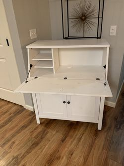 """White Computer Cabinet !!! 18"""" D 35"""" W 43"""" H for Sale in Vancouver,  WA"""