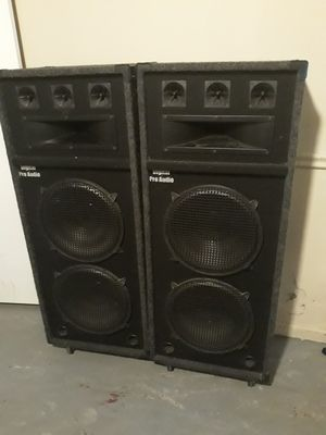 Double 15 inch speaker with Tweeter and Horn for Sale in Snellville, GA