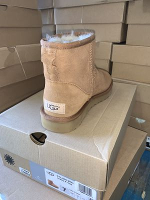 Mini chestnut Ugg boots size 8 for Sale in Victorville, CA