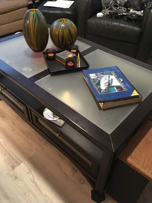 Coffee table and end table for Sale in Fort Myers Beach, FL