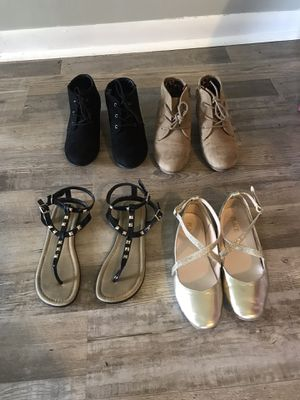 Girls shoes size 3 for Sale in Bolingbrook, IL