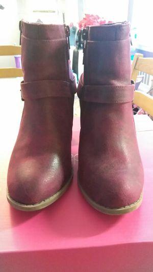 Kenya style from shoe dazzle for Sale in Philadelphia, PA
