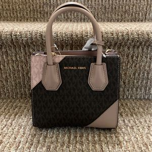 Authentic Michael Kors Handbag for Sale in Quincy, MA