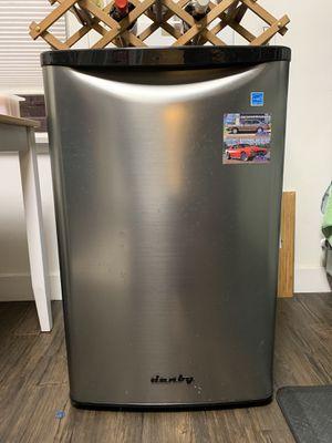 Danny mini fridge for Sale in Culver City, CA