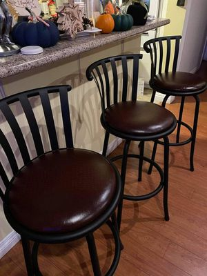 """3 Bar stools 29""""INCH TALL $160.. OBO like NEW for Sale in Anaheim, CA"""