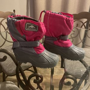 Girls Snow Shoes for Sale in Victorville, CA