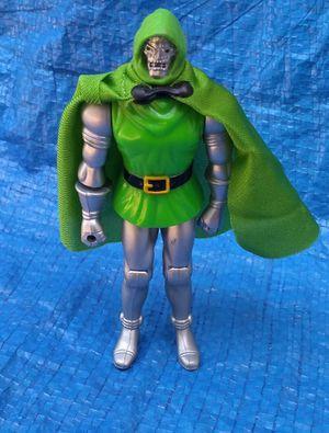 1990 ToyBiz Marvel Super Heroes Doctor Doom Action Figure Vintage Collectible Dr. for Sale in Pasadena, CA