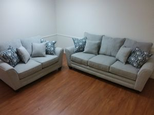 2PC SOFA AND LOVESEAT SET WITH ACCENT PILLOWS for Sale in Arlington, TX
