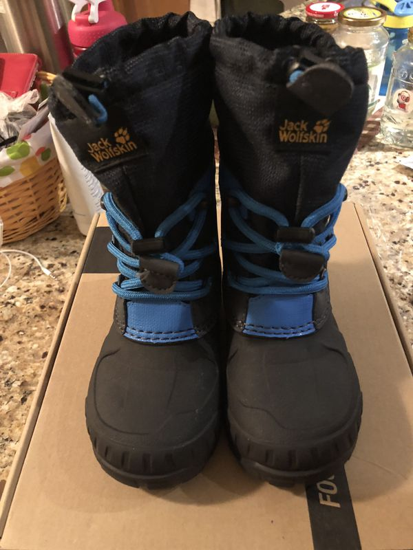 Brand new kids snow boots