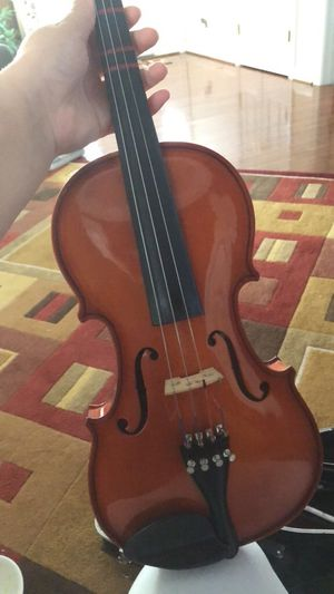 Violin PRICE NEGOTIABLE for Sale in Norfolk, VA