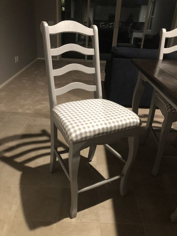 Kitchen table Counter Height and 8 chairs. $400obo