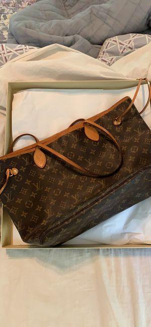 Louis Vuitton NeverFull MM Women's Bag for Sale in Acworth, GA