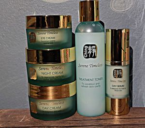 High Quality Skincare Set. MAKE ME AN OFFER. for Sale in Valley Stream, NY
