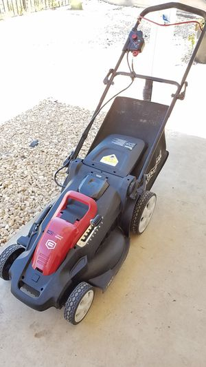 Craftsman cordless lawnmower works good easy to operate for Sale in San Diego, CA