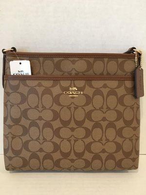 New Coach Signature Zip Crossbody/File Bag for Sale in Cordova, TN
