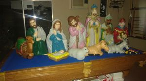 NATIVITY SET 11 PIECES USED BUT IN GOOD CONDITION ALL OF THEM LIGHT UP EXCEPED THE DONKEY LIGHT BURN OUT $240 PICK UP ONLY for Sale in Montclair, CA