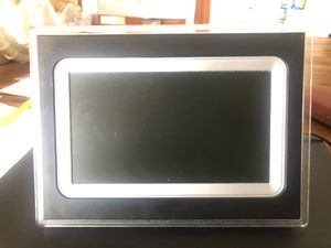Digital picture frame used one month like mu great condition for Sale in Miramar, FL
