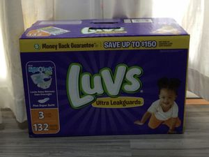 Size three luv diapers for Sale in Casselberry, FL