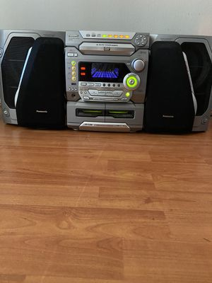 Panasonic SK-DK1 ,5 DVD changers stereo system for Sale in Los Angeles, CA