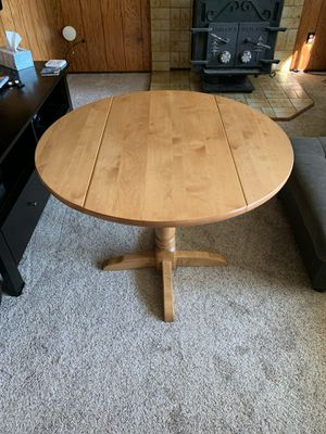 Round dining table for Sale in Des Moines, WA