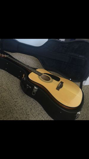 Fender CD-60S w/ Case for Sale in Key Biscayne, FL