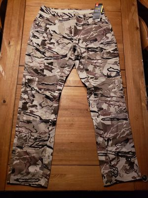 UNDER ARMOUR TACTICAL COMBAT BARREN CAMO PANTS MENS...SZ 36X34...BNWT for Sale in Bakersfield, CA