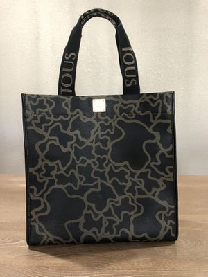 Tous Tote for Sale in Beaumont, TX