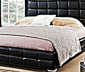 King square bed platform style with mattress and free delivery for Sale in Austin, TX