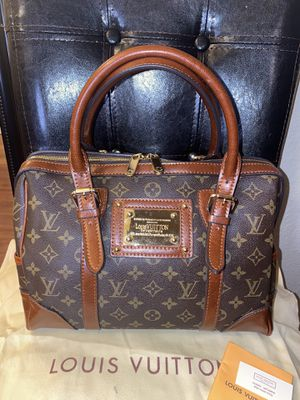 Hand bag for Sale in San Leandro, CA