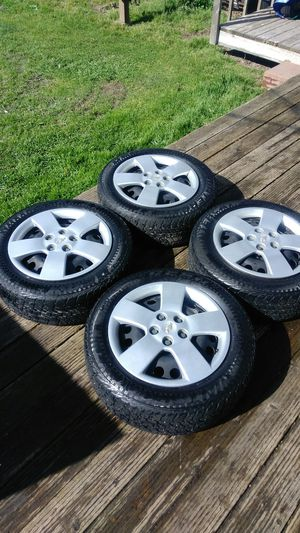 (4) 205/60R16 Wintercat Tires & Steel Wheels (Matching set of 4) for Sale in Clackamas, OR