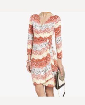 BCBGMAXAZRIA Sondra Lace Print Wrap Dress , Size Large Good Condition for Sale in Pleasanton, CA