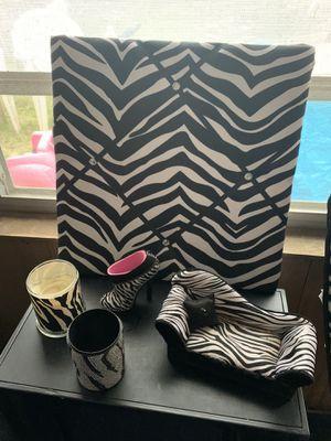 Zebra decor for Sale in Des Plaines, IL