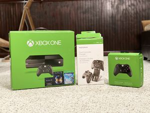 XBOX ONE +Games+ Accesories in original BOX in excellent condition for Sale in Chantilly, VA