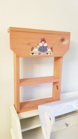 Hand painted girls room shelves. Adorable! for Sale in Trinity, FL