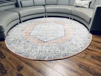 Brand New Round Rug !!! 8 Ft Diameter for Sale in Vancouver,  WA