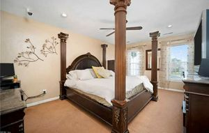 Beautiful King Solid Wood Bedroom Suite for Sale in Princess Anne, MD